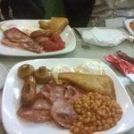 aamiaista asiointitaitojen lomassa